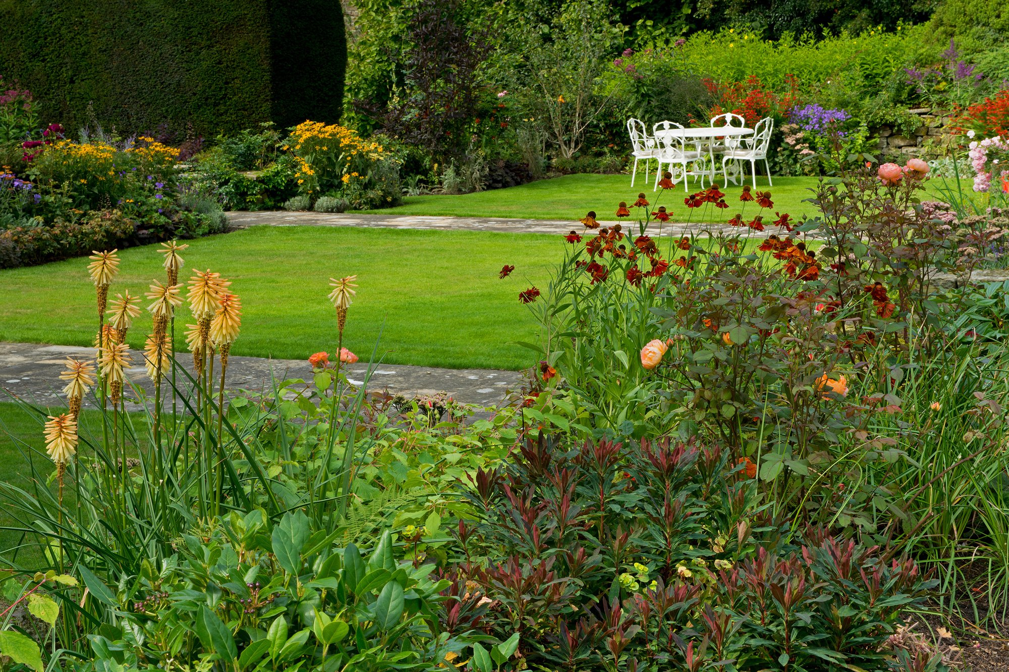 A private English Country Garden in Ilkley, West Yorkshire ...